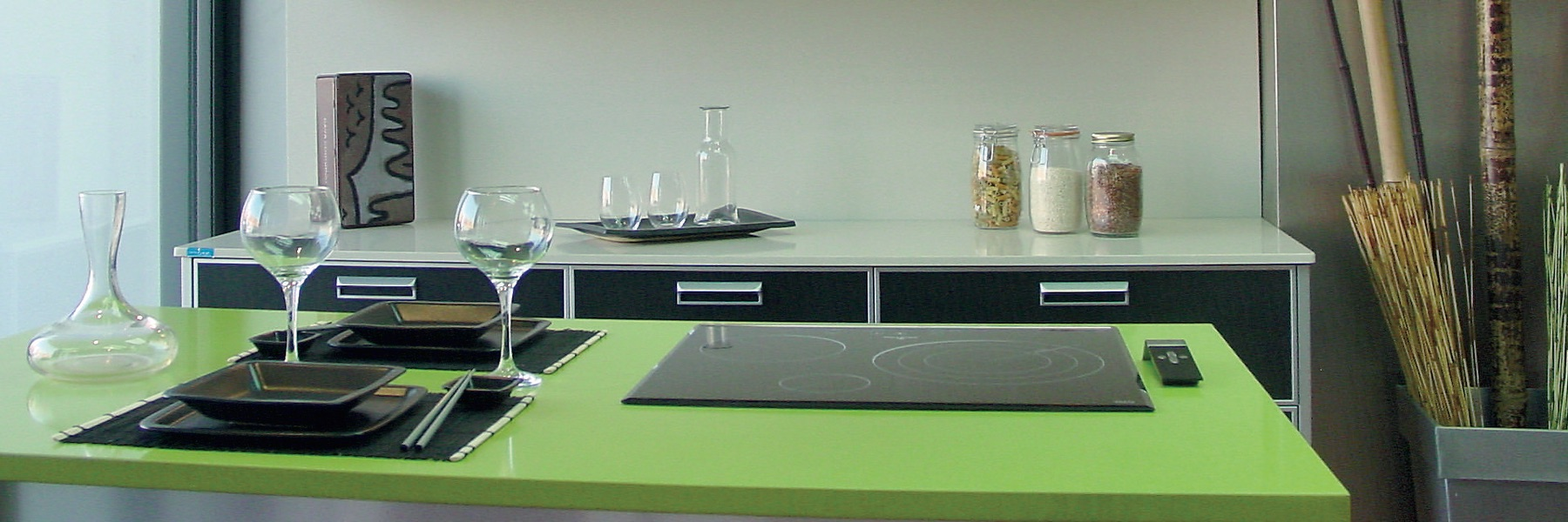 IM Design Aluminum Kitchen with Green Counter