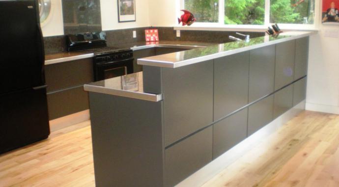 Aluminium Küche eternal von IMDesign in smoke grau