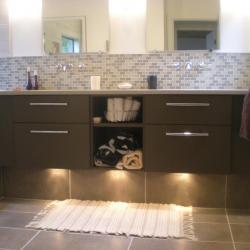 moble de bany alumini marró suau calaixos soft-close non-tòxic
