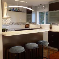 schadstofffreie nachhaltige Aluminiumküche - eternAL in Schokoladenbraun, modern und  simple bei IMDesign